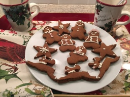 AIP Gingerbread Cookies & Frosting