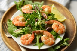 Mediterranean Salad w/Shrimp